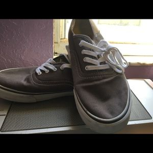 Grey levis